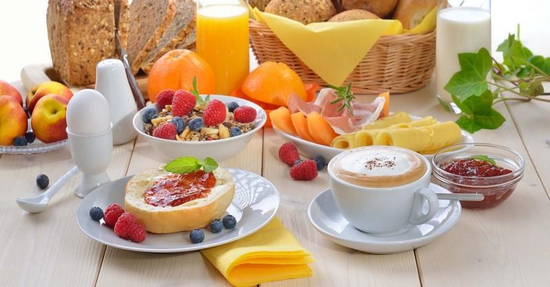 čo sú zdravé raňajky