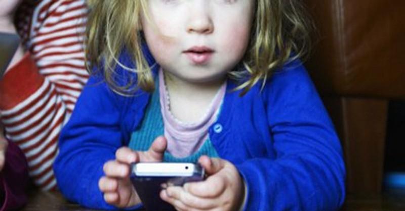 deti a smartfony