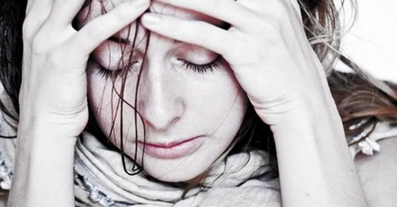 žena v bolestiach