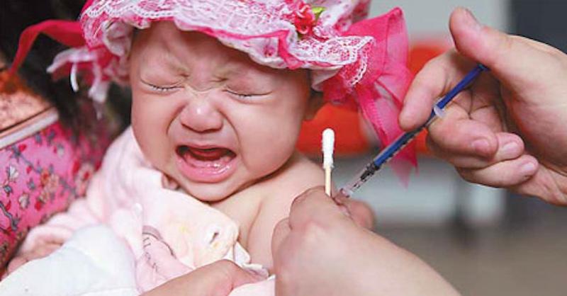 WHO pri očkovaní opäť zavádza, no najčastejšiu príčinu úmrtí prehliada