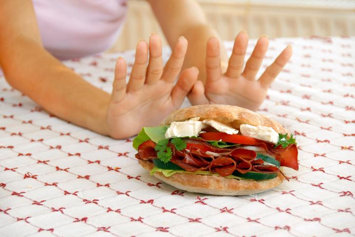 Čo sa deje s vaším telom, keď držíte hladovku