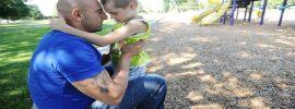 U malého chlapca so záchvatmi nahrádza konopný olej 22 tabletiek