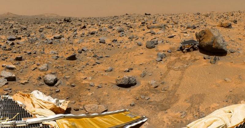 """Vedci z NASA: Sme blízko k objavu života na Marse, no svet na to ešte """"nie je pripravený"""""""