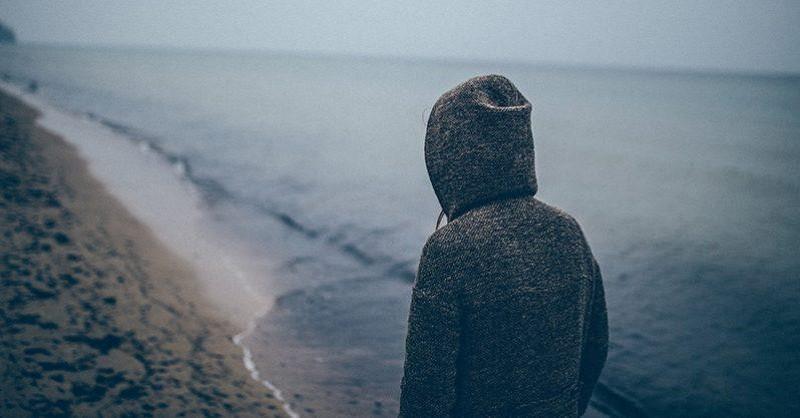 Psychologička vysvetľuje, prečo by sme sa nemali snažiť o prekonanie zármutku