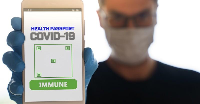 V15 krajinách majú hromadne zaviesť sledovacie imunitné pasy COVI-PASS