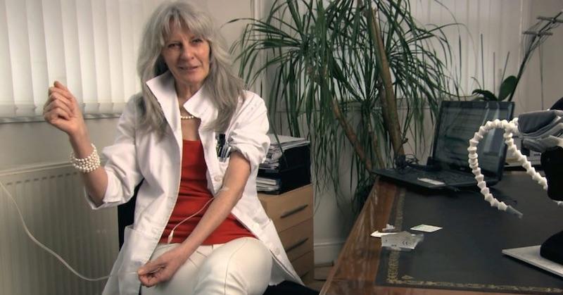 """Nemecká neurologička varuje pred rúškami: """"Nedostatok kyslíka spôsobuje trvalé poškodenia mozgu, hlavne u detí"""""""