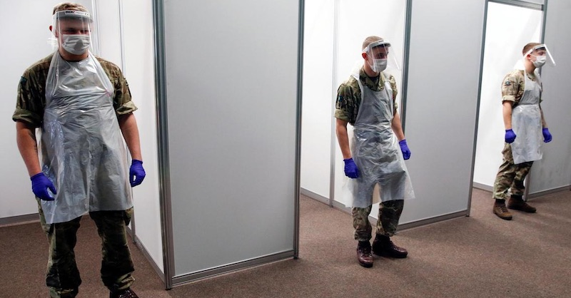 VLiverpoole ide armáda testovať deti vškole bez súhlasu rodičov