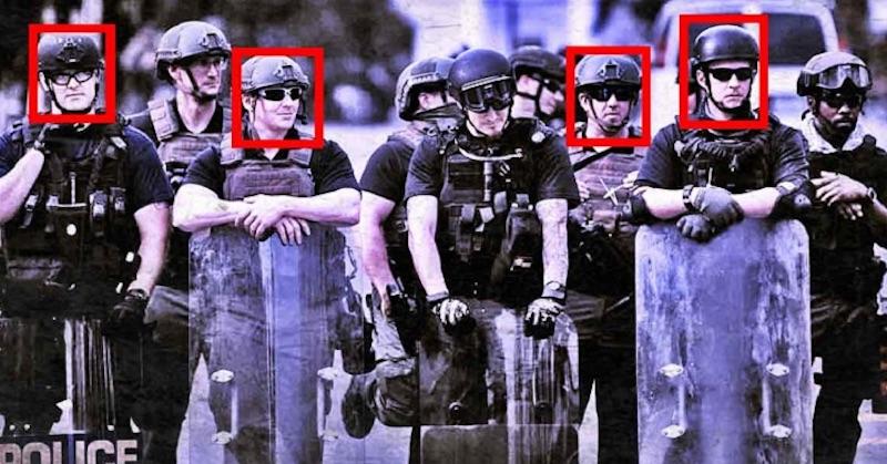 Aktivisti vytvárajú vlastný systém na identifikáciu zlých policajtov, čo skrývajú odznaky