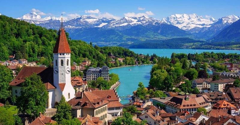 Švajčiari budú mať referendum oodobratí právomocí vláde zavádzať lockdowny