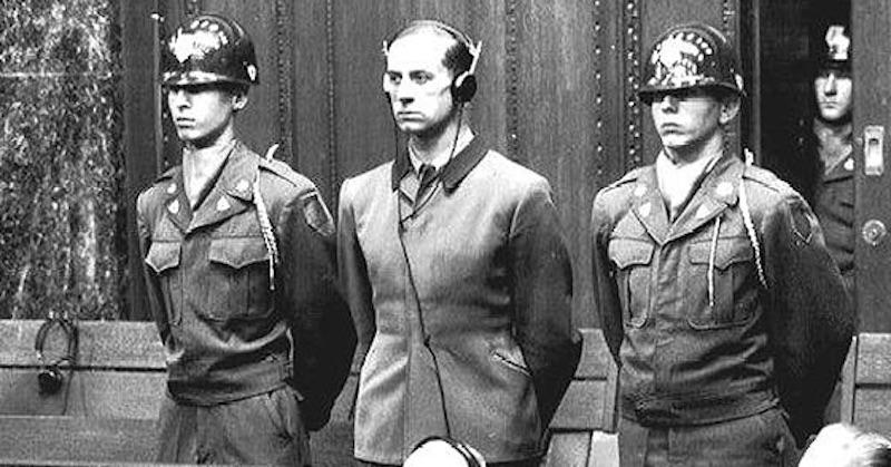 Povinné rúška avakcíny porušujú všetkých 10 bodov Norimberského kódexu