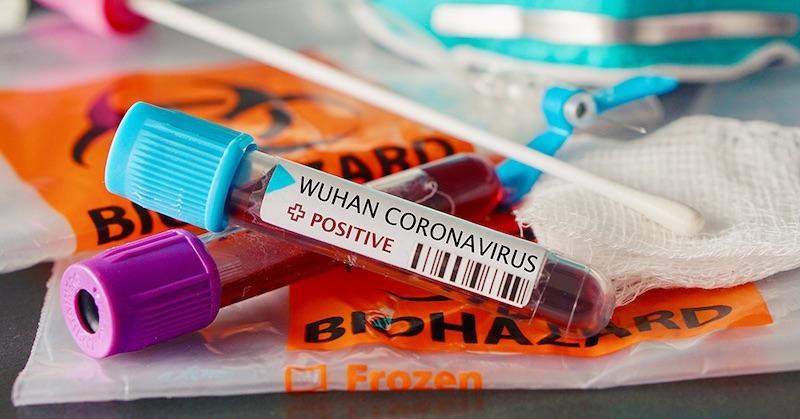Francúzska štúdia zistila, že výtery znosa na COVID-19 zvyšujú riziko meningitídy