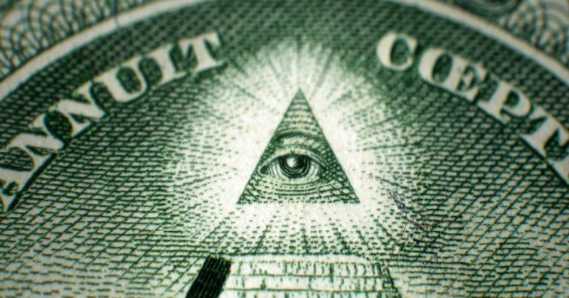 Mať kontrolu nad všetkými peniazmi je nevyhnutné, ak chce vládnuca trieda dominovať svetu