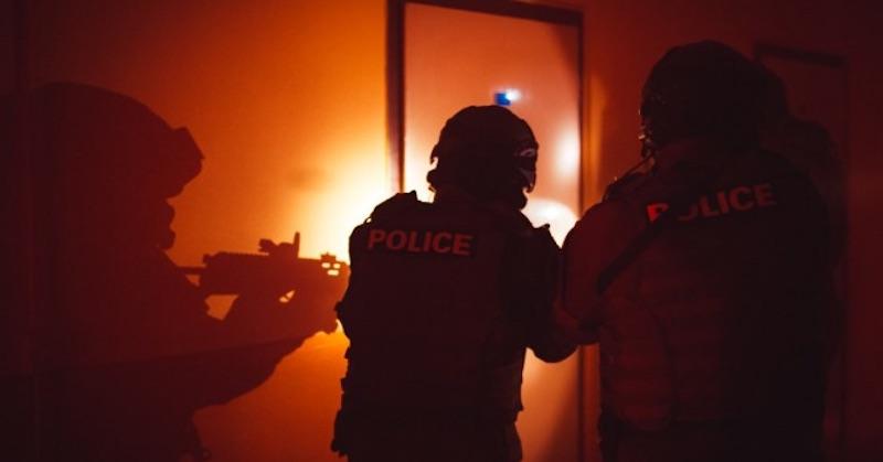 Hotová diktatúra: Nemecká vláda šikanuje 8 prominentných kritikov pandemických opatrení