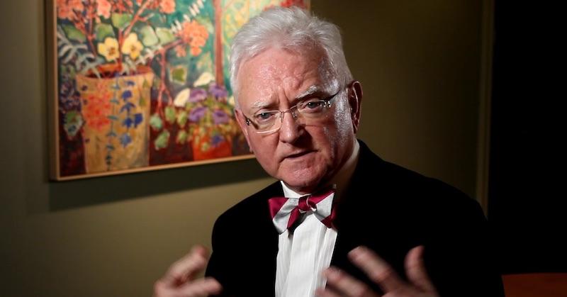 """Dr. Roger Hodkinson: """"Po tomto šialenstve mnohí prídu oreputácie apriekopami potečie krv"""""""