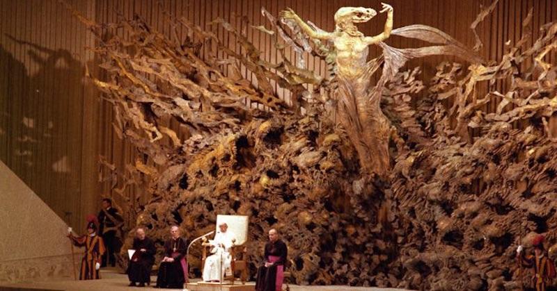 Pápež František priznal klamstvá, podporu znaku šelmy a vydieranie svetových lídrov